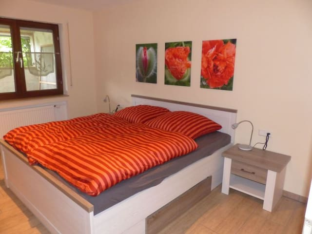 Ferienwohnung Paula, (Lichtenstein), Ferienwohnung, 1 Schlafzimmer, Terrasse mit Garten, max. 2 Personen
