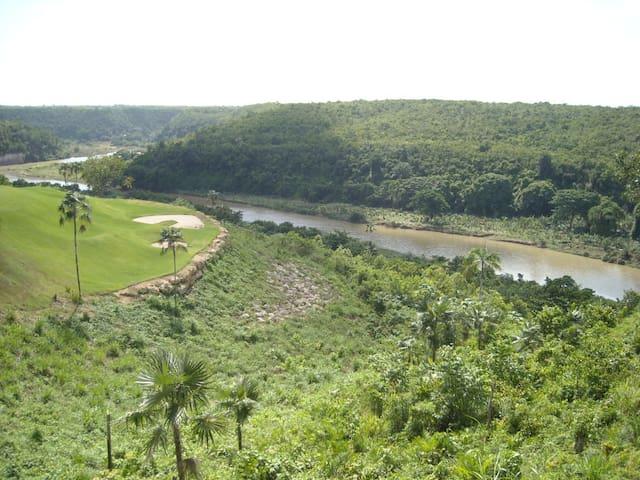 """ La Estancia Golf Resort """