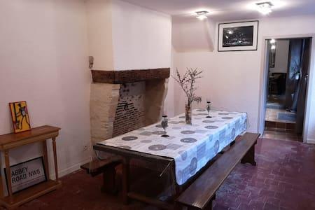 Entre gare&château/Big room near castle&station