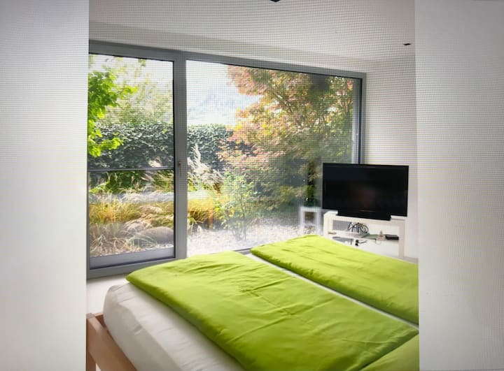 Schönes Zimmer mit eigenem Badezimmer bei privat