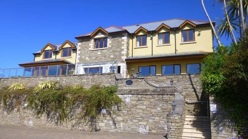 Sea Breeze Bed & Breakfast - Castletown-Bearhaven - Aamiaismajoitus