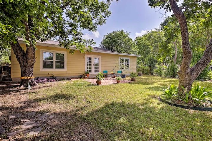 San Antonio Home w/ Yard ~8 Mi to Downtown!