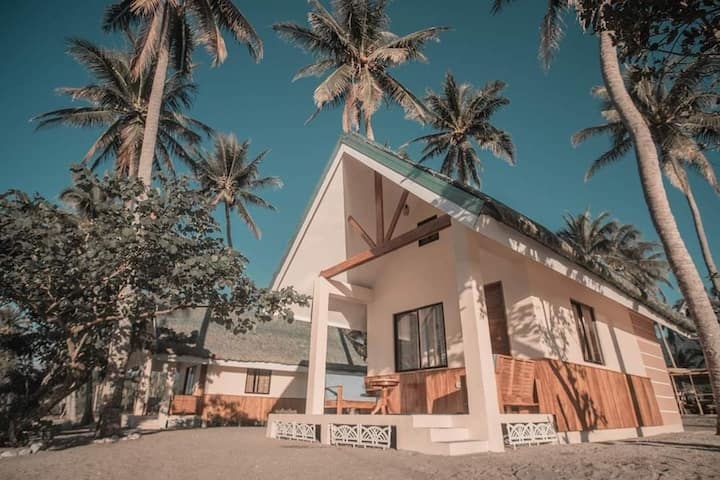 Beachfront Cottage 1
