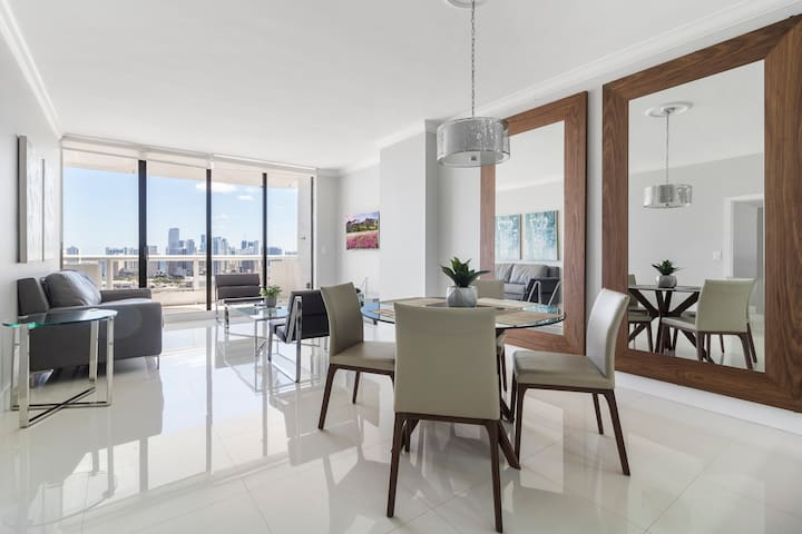 ⭐Luxury One Bedroom+complimentary VALET parking ⭐
