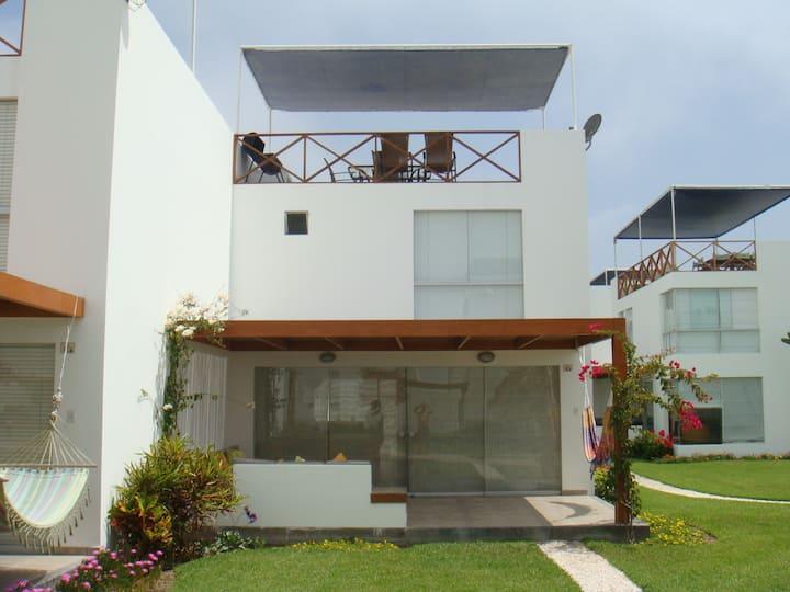 Casa de Playa en Asia del Mar, Lima - Perú