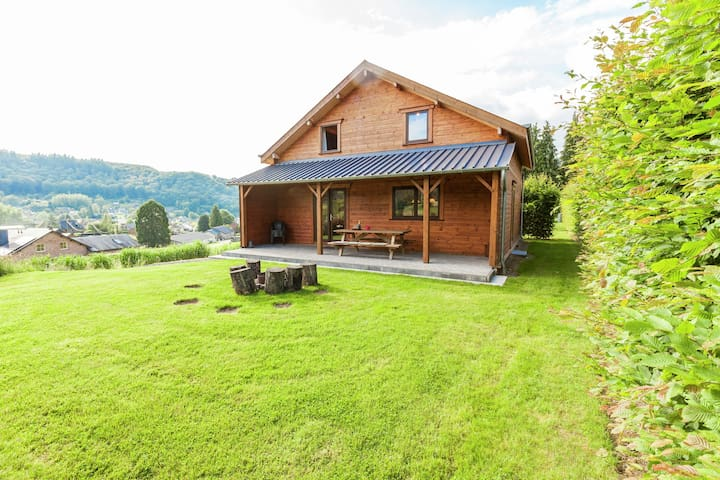 Spacious Holiday Home in Vresse-sur-Semois with Garden