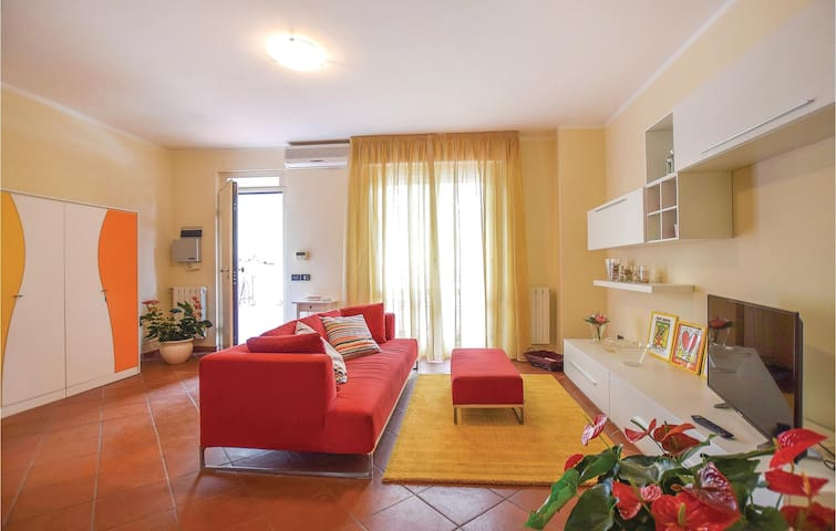 Terraced house with 4 bedrooms on 120m² in Viareggio