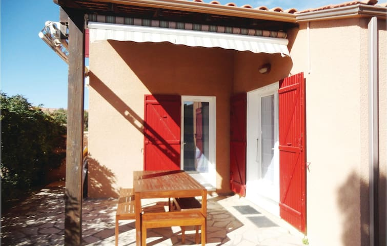 Holiday cottage with 2 bedrooms on 40m² in Portiragnes