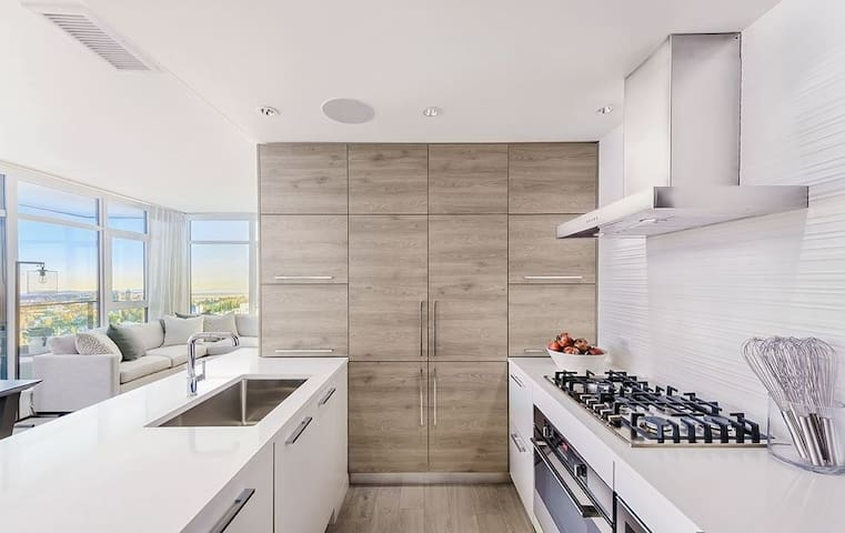 Brand new two bedroom apartment with amazing views