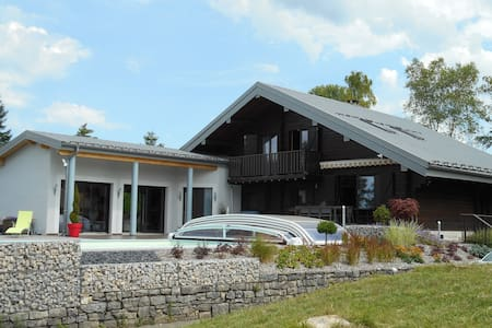 Grande villa au dessus du lac de Vouglans - Charchilla