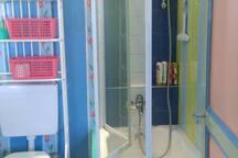 baignoire-sabot plus douche