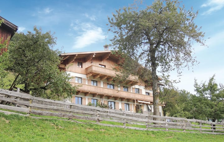 Beautiful home in Wagrain with WiFi and 3 Bedrooms