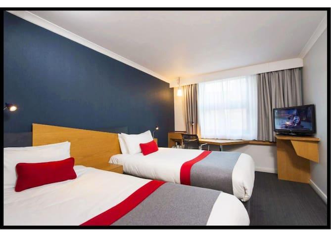 Holiday Inn Express - Glasgow - City 3