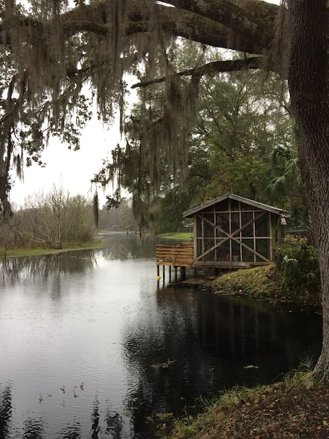 Waterfront Cottage 2BR 1B