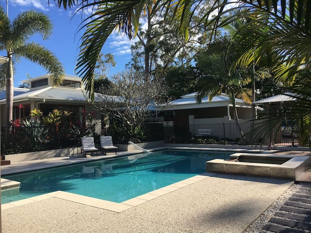 2 Bedroom Apartment on Resort Style Property