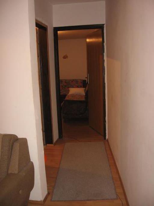 Hallway to bedroom 2