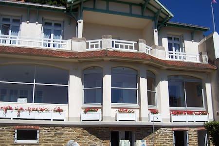 Villa conviviale, situation et vue exceptionnelles - Pornic