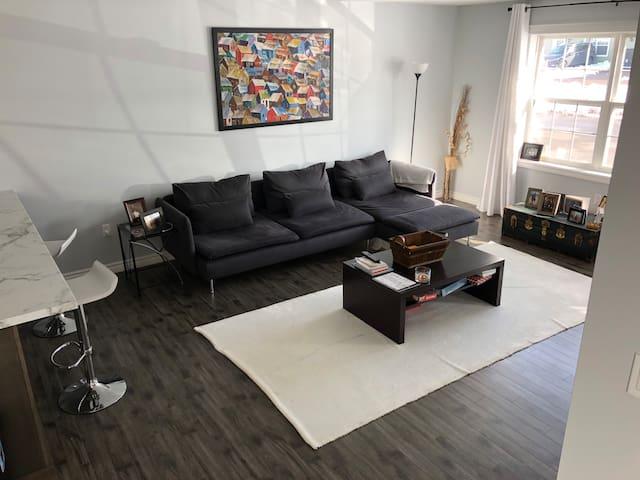 Modern Quiet Stratford Condo