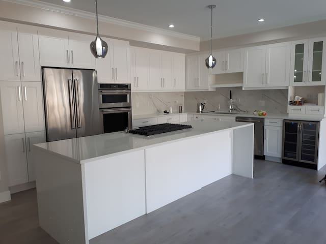 Modern Beautiful Double bed in brand new townhome