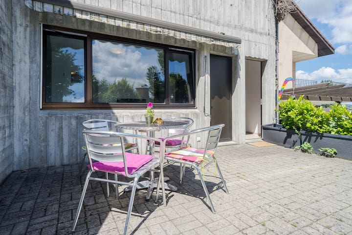 Sunny Garden Apartment - Neuhausen am Rheinfall - Departamento