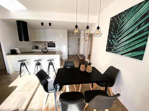 Duquesa Suites & Gardens Beautiful New Apartment