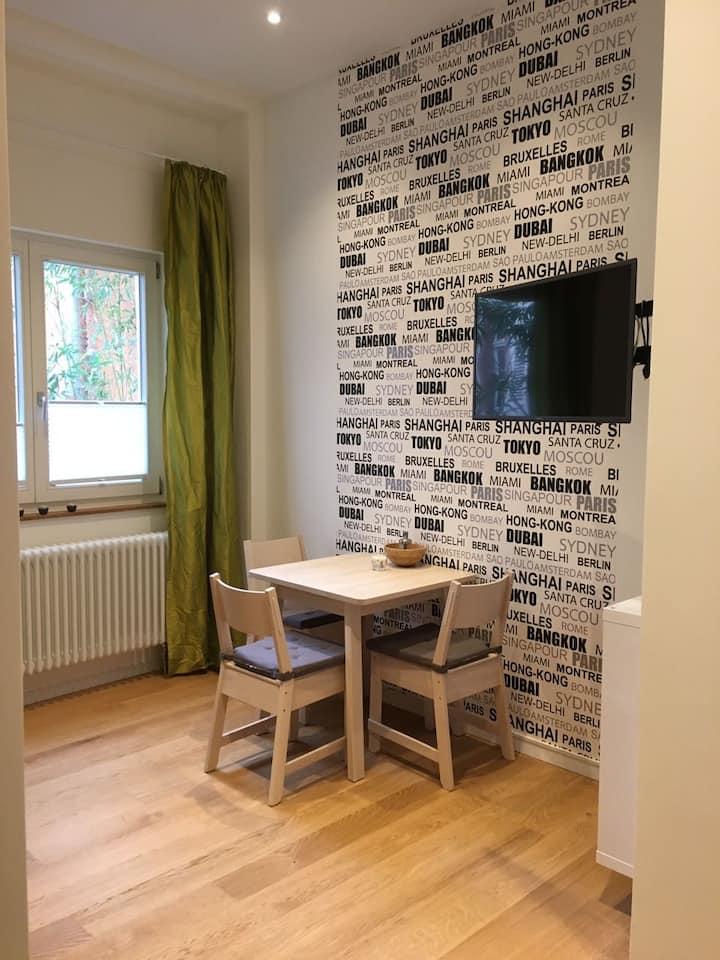 Moderne Wohnung im stilvollen Altbau (2)