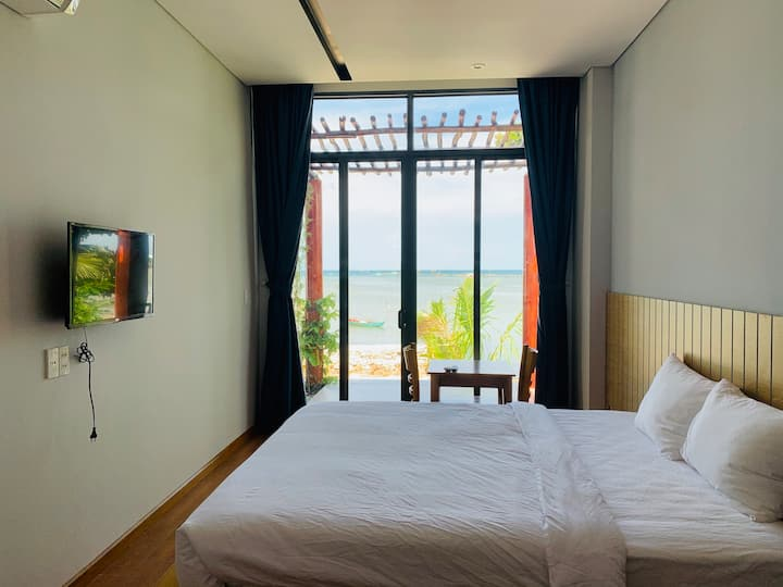 Aurora Beach House 3 - Room with Seaview & Balcony