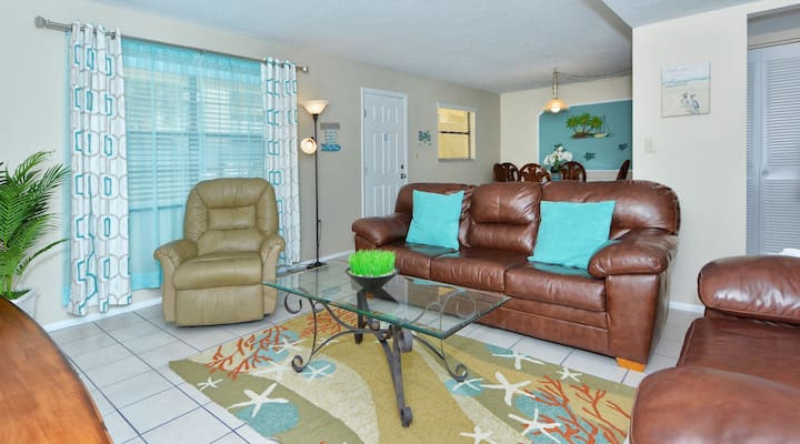 Sea Shell Condo 106 2BRs 1Bath Beach Front Property Right on the No 1 Beach in the USA