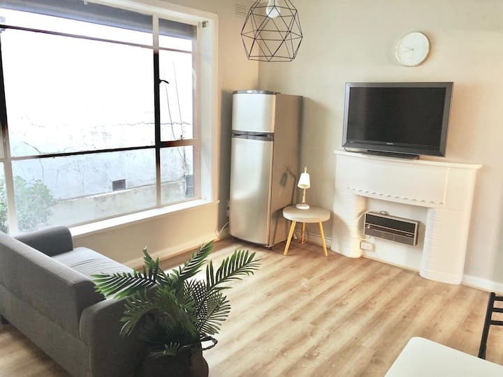 Inner city boutique apartment fully furnished