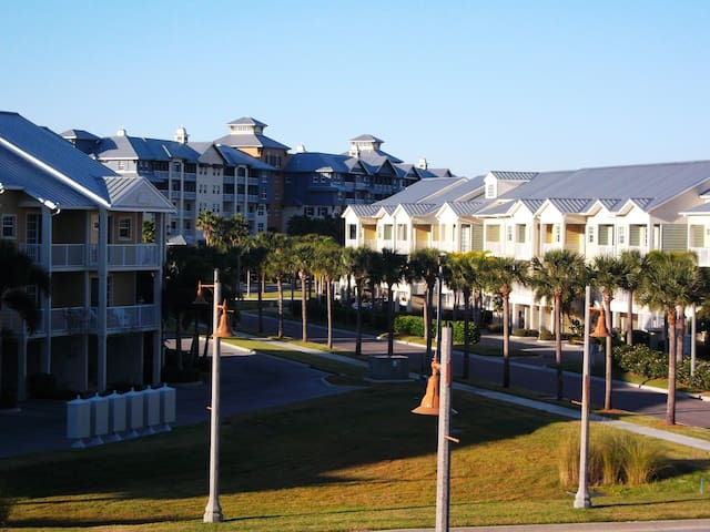 You Can't Beat Little Harbor Resort TampaBay Beach - Ruskin - Townhouse