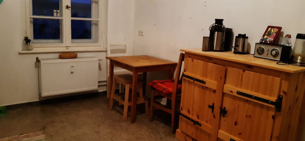 In the heart of Prenzlauer Berg/very central room