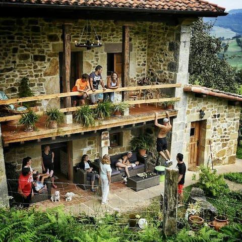 Casa rural EL Pilon(10 adultos +10 niños)