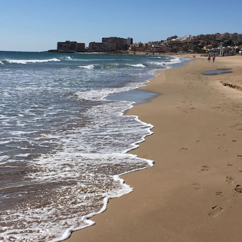 Rent a flat, beach & swimming pool, Torrevieja - Torrevieja - Apartment