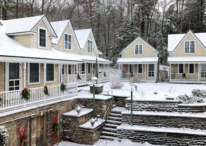 Sunapee Harbor Cottage #1 - Whispering Pines