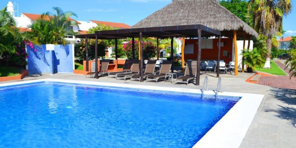 4 Bedroom Home - Nuevo Vallarta - Close to Beach - Nuevo Vallarta - Huis