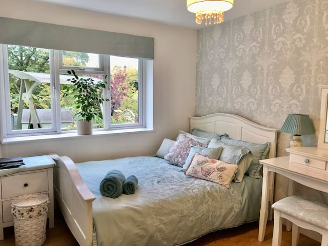 Delightful Double Room with Countryside Views