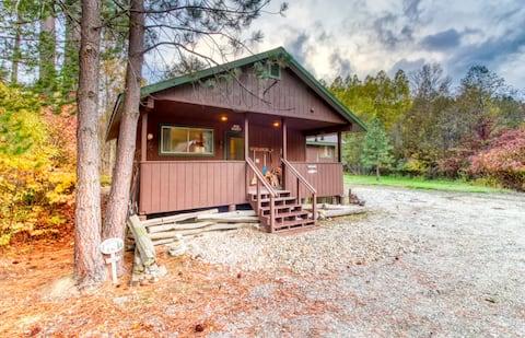 Coles Corner Cabin - Leavenworth WA / Stevens Pass