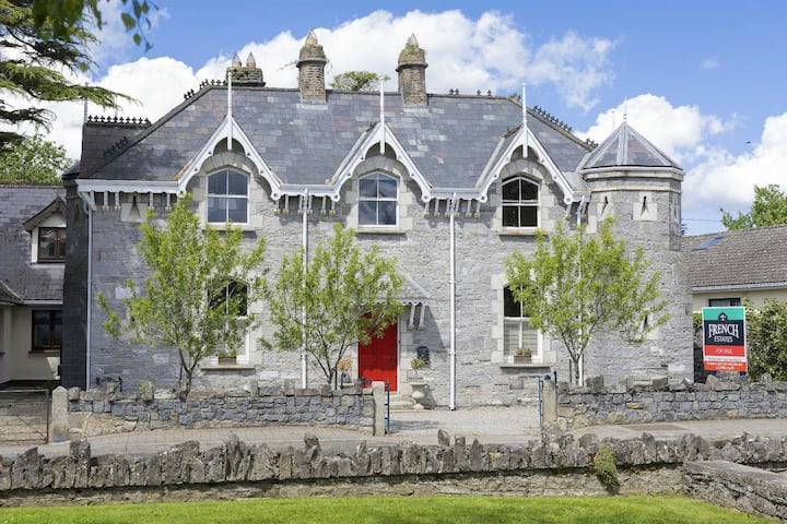 Old RIC Barracks-period house in Straffan village