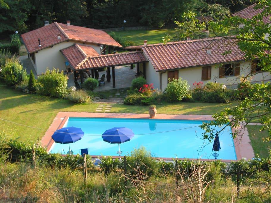 Villa con piscina per 14 persone agriturismi in affitto - B b con piscina toscana ...