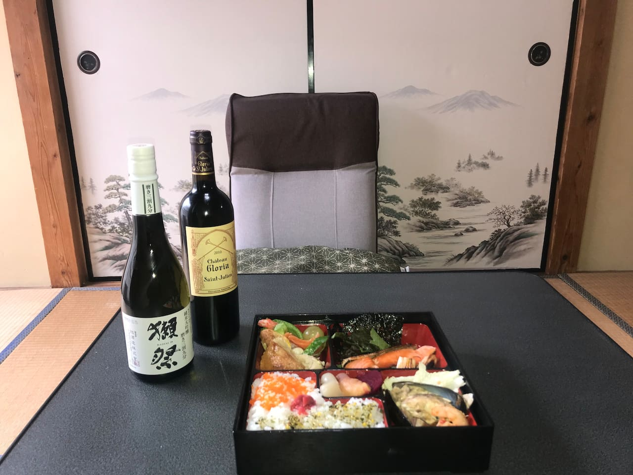 YabFarm Lodge has 4 units, 101, 102, 201, and 202.  You can enjoy a Japanese homemade meal  (charged)  in the lodge as shown in this picture!! If your desired dates for YabFarm  Lodge 202 have already been booked by other guests, book another unit!