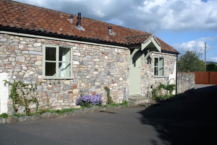 Wee Calf Barn, Clewer, Somerset - Clewer - House