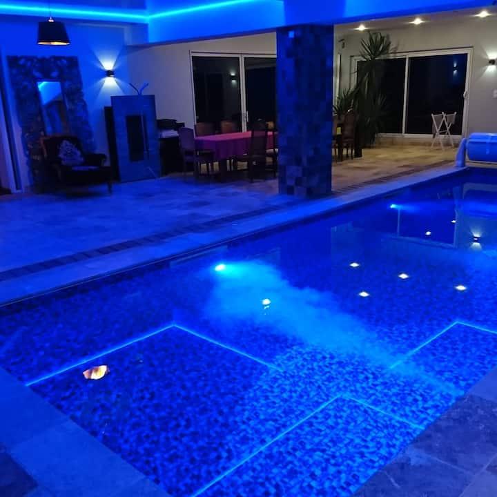 Unique Rennes/Saint-malo piscine intérieure SPA...