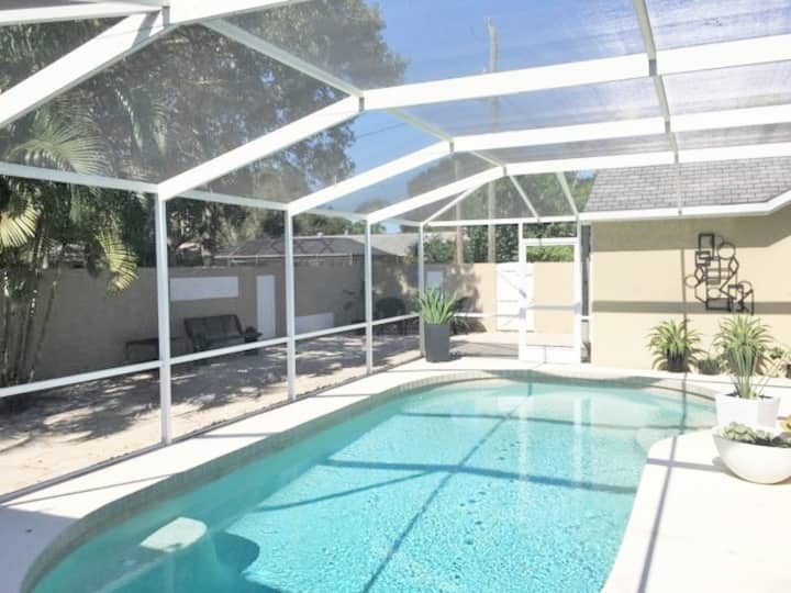 Downtown In-Law Suite with Pool/Internet/Cable
