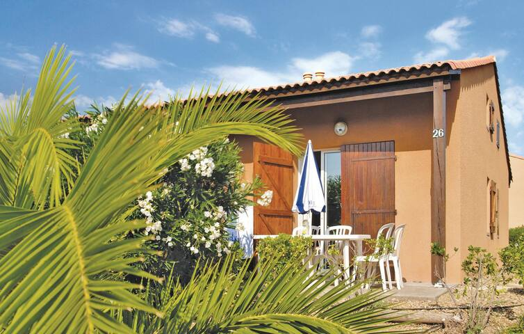 Holiday apartment with 2 bedrooms on 35 m² in Narbonne Plage