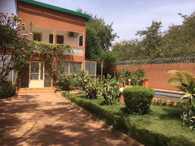 Comfortable villa near Hotel Silmande