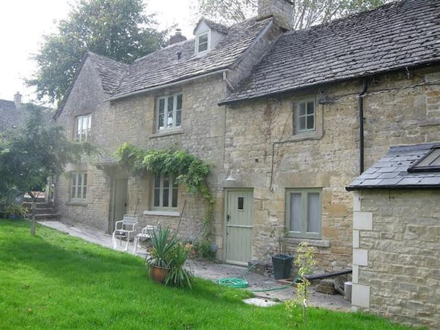 Tannery Cottage, Burford. - Burford - บ้าน