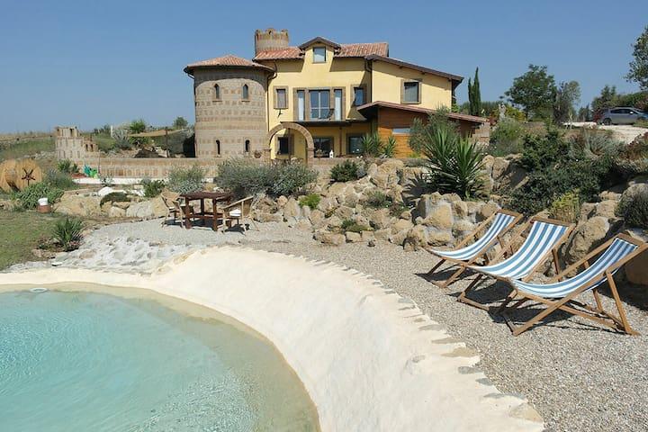 """apartment """"Chiocciole"""" near Tuscania in the artist's house """"the Banditella"""""""
