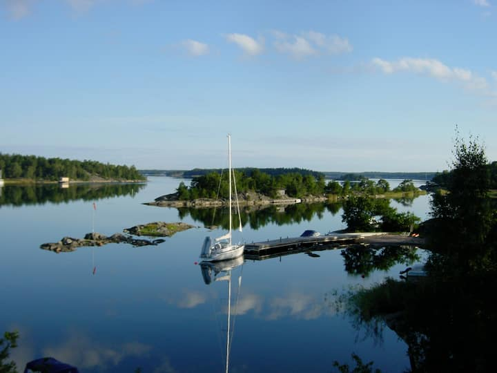 Modern seaside villa 45 minutes from Stockholm