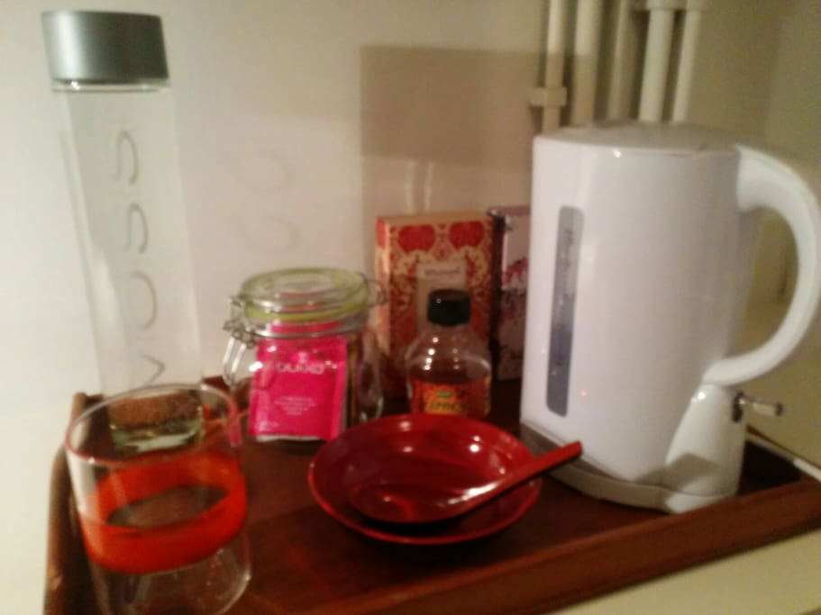 Kettle teas and coffee