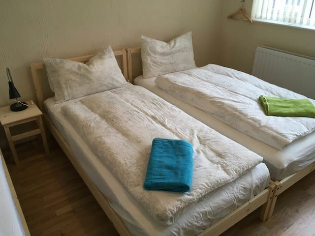 LIVERPOOL F.C. - cozy, clean & calm triple room - Liverpool  - Apartemen